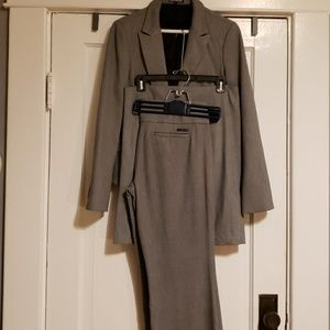 Express EUC Gray Suit with 3 Pieces Size 8